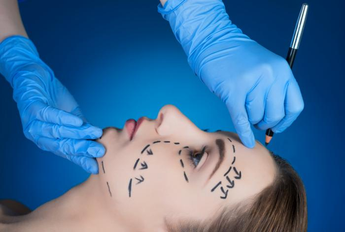 A Few Effective Recovery Tips After Facelift Surgery