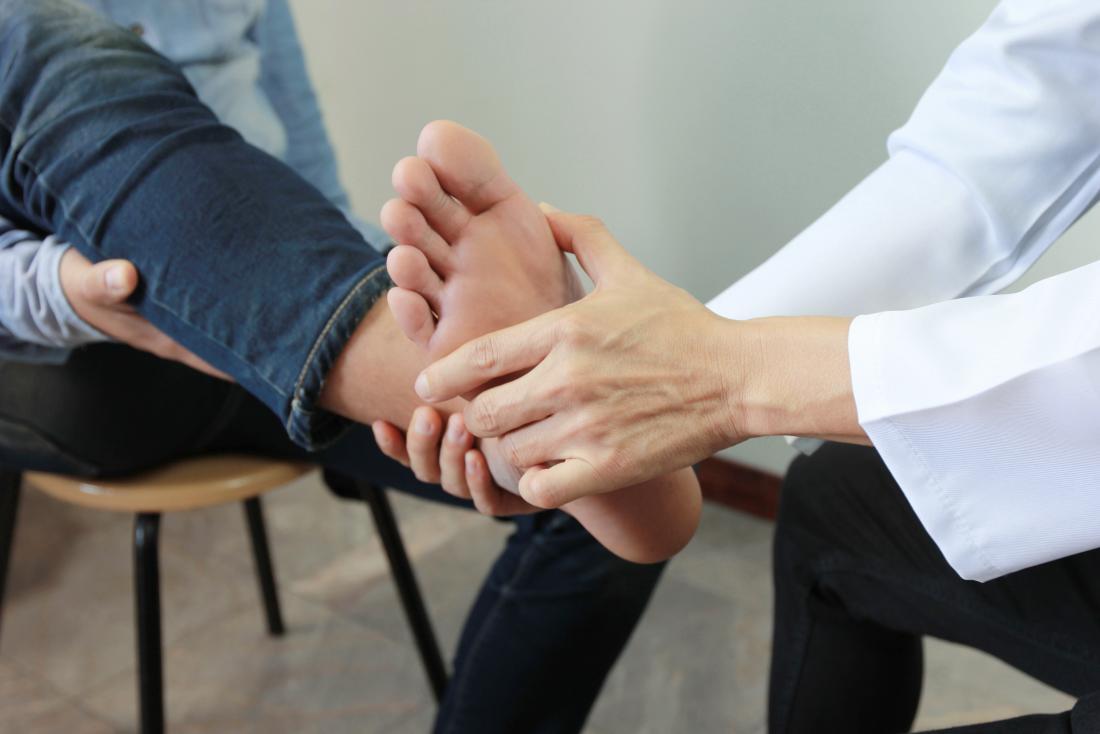 esame del piede per neuropatia diabetica