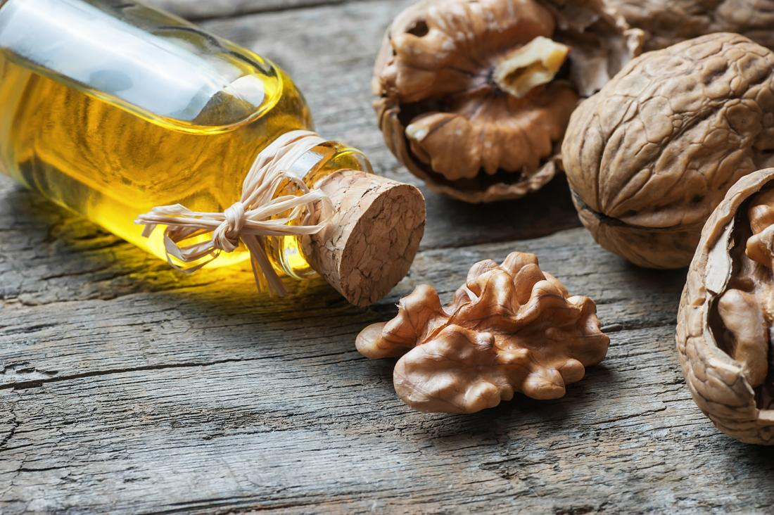 Walnuts and walnut oil: Reducing cholesterol and other benefits