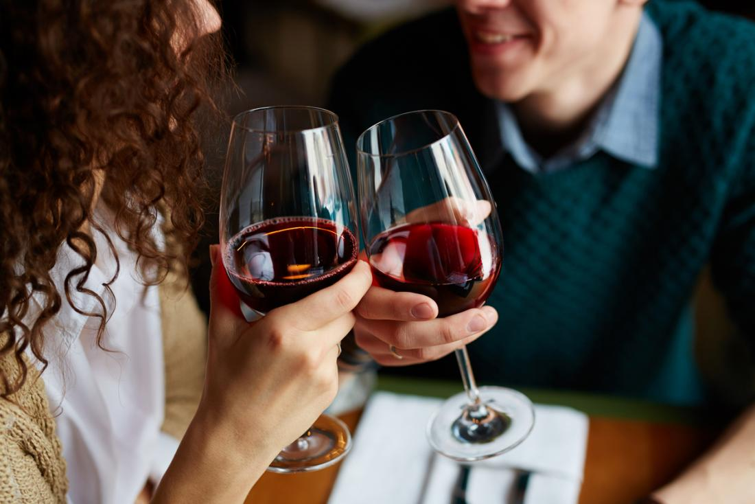 Red wine: Benefits and risks
