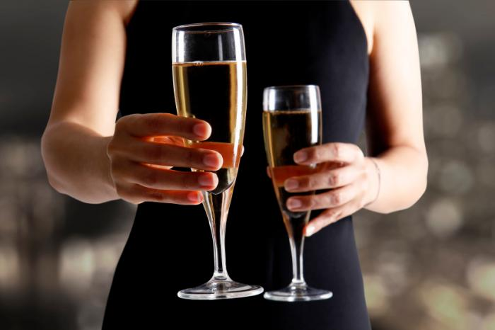 Alcohol use in first 3-4 weeks of pregnancy may lead to