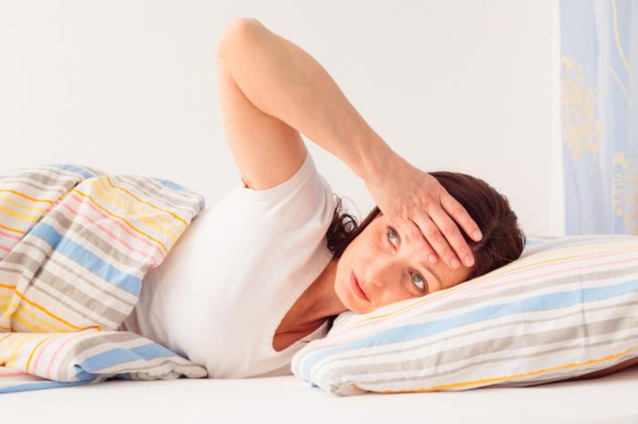Night sweats: Causes and treatments in men and in women