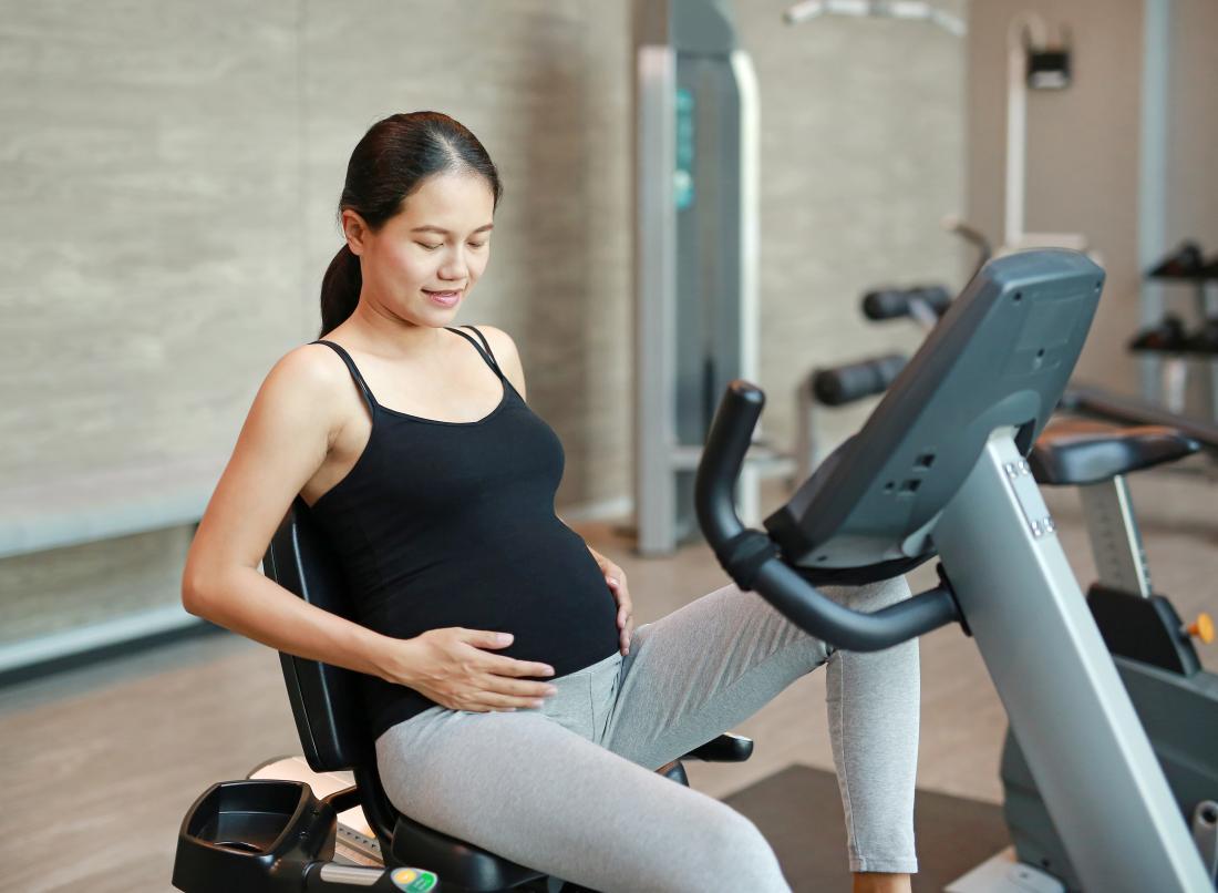 10 weeks pregnant: Symptoms, genetic testing, and baby