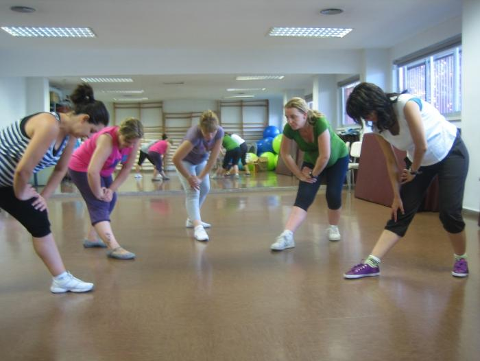 Pregnant women performing the indoor exercise programme