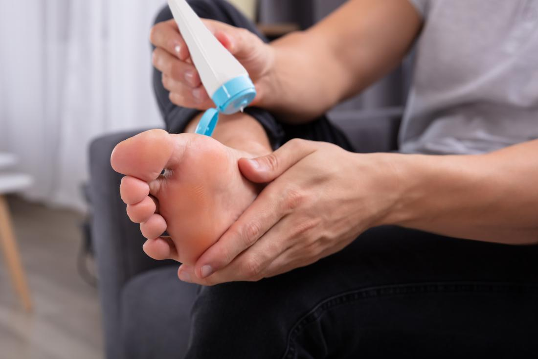 how to get rid of dry cracked itchy feet
