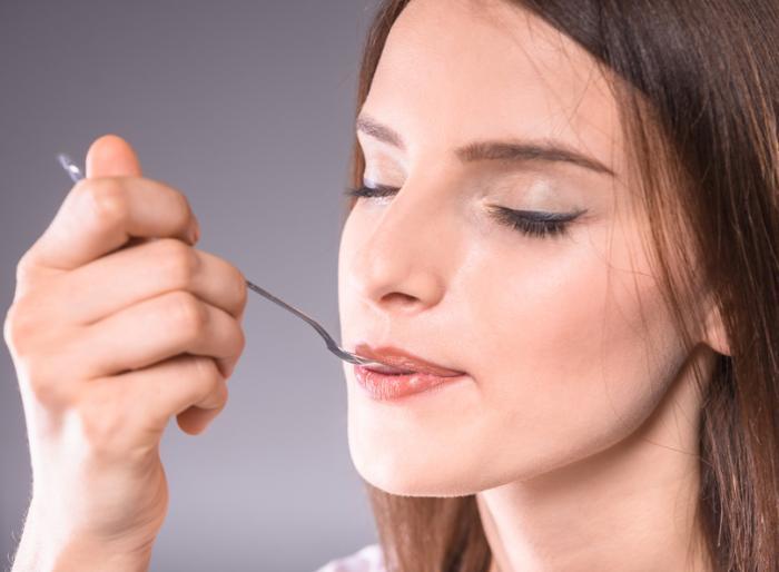 Metallic taste: Causes, diagnosis, and treatment