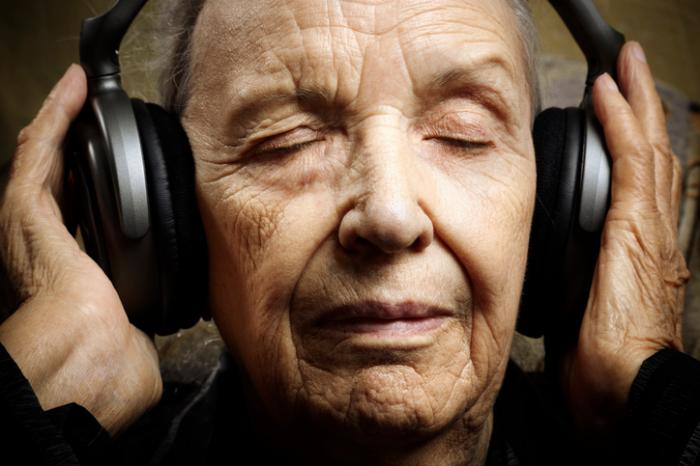 Alzheimer's disease: Music, meditation may improve early cognitive decline