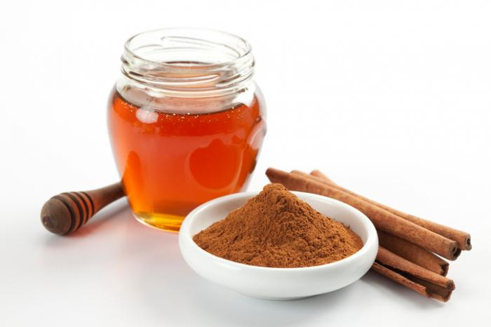 Honey and cinnamon for acne: Benefits, research, and face mask