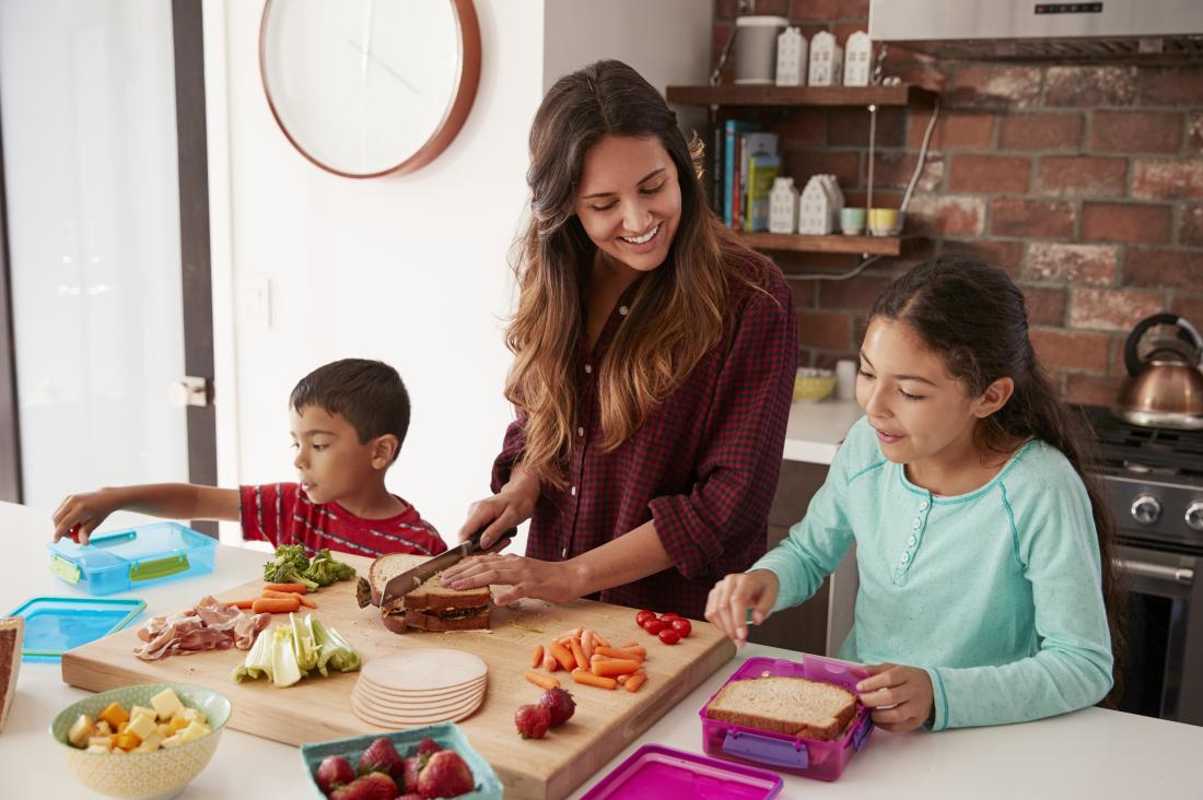 family eating with diabetic diet