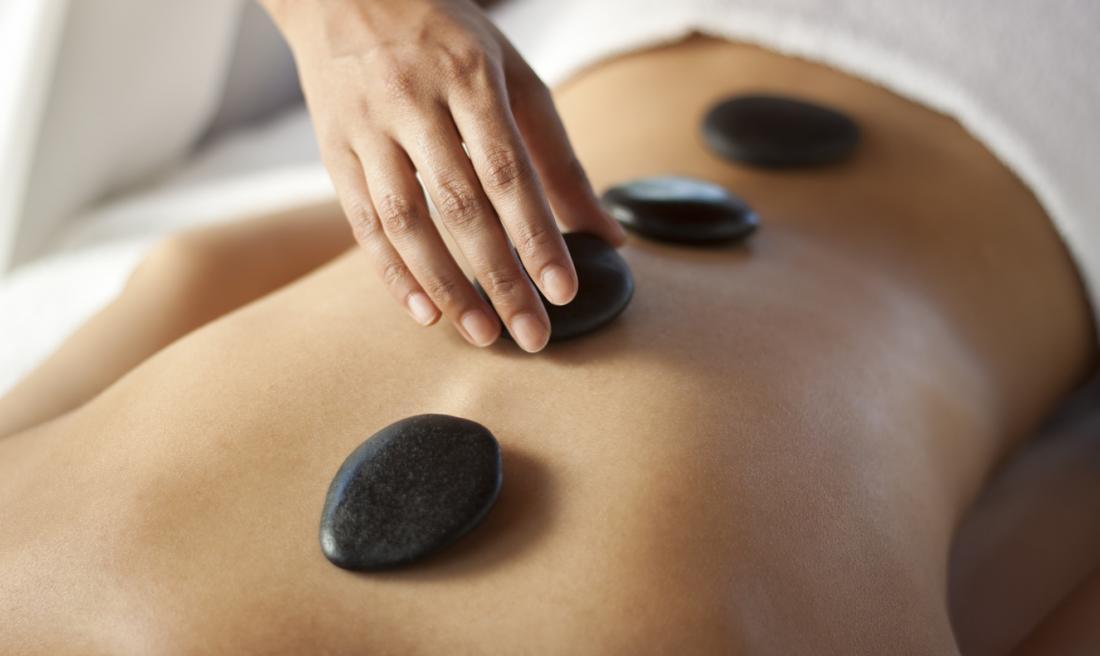 Hot stone massage therapy: 5 benefits