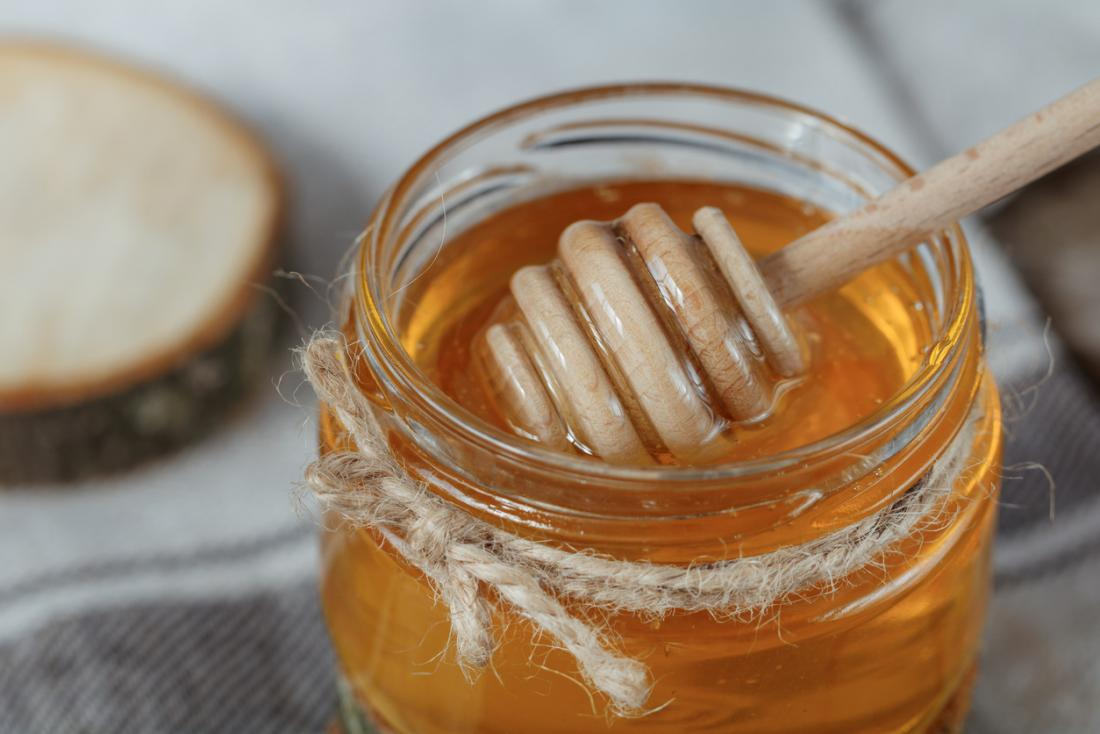 honey vs. sugar: differences, benefits, and disadvantages