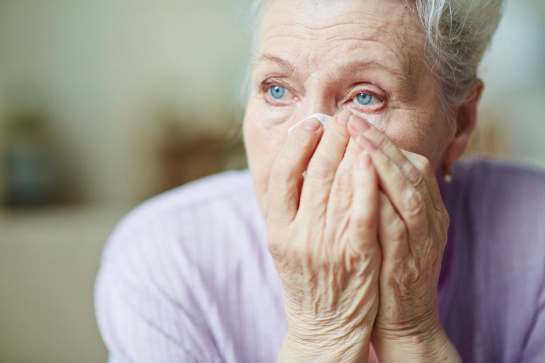 12 causes and treatments of a swollen eyelid: Stye