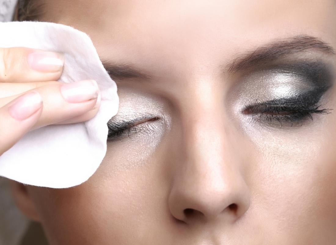 hinchazón en el ojo causas
