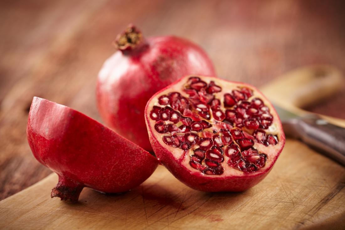 Pomegranate seeds: Benefits and tips