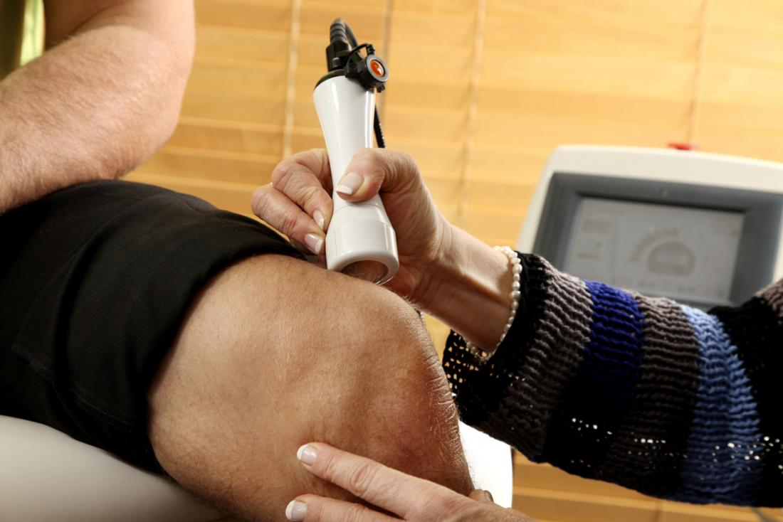 Does laser therapy for knee pain work?