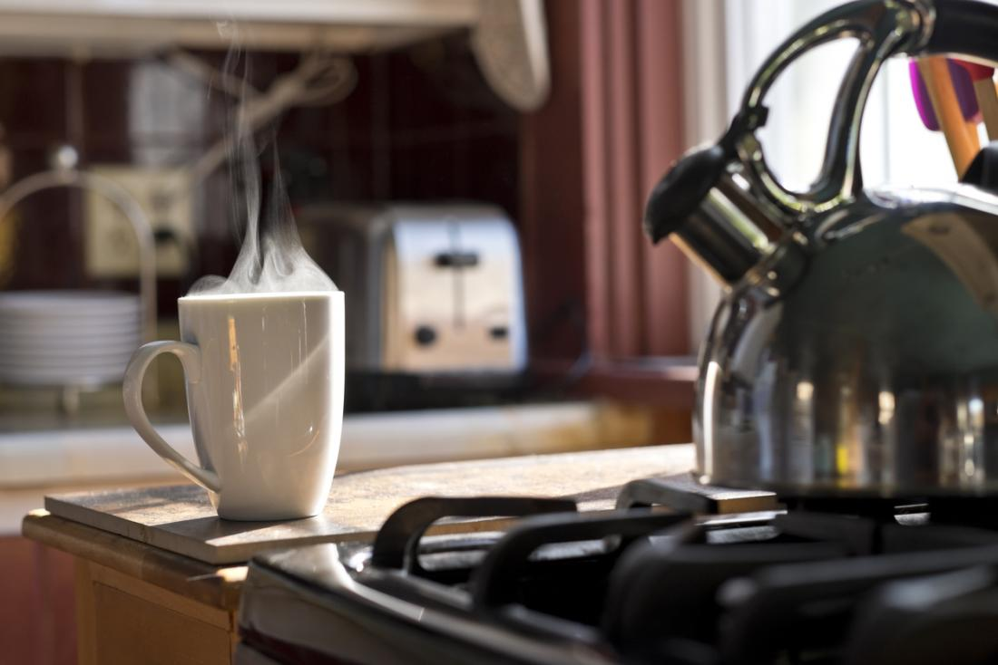 Drinking hot water: Benefits and risks