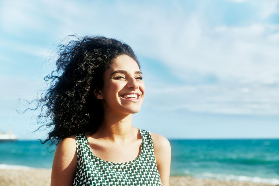 Sun and psoriasis: Is sunlight helpful or harmful?