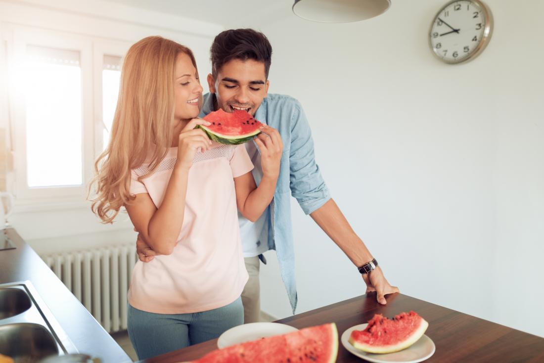Karpuz viagra erkek ve kadın karpuz yeme