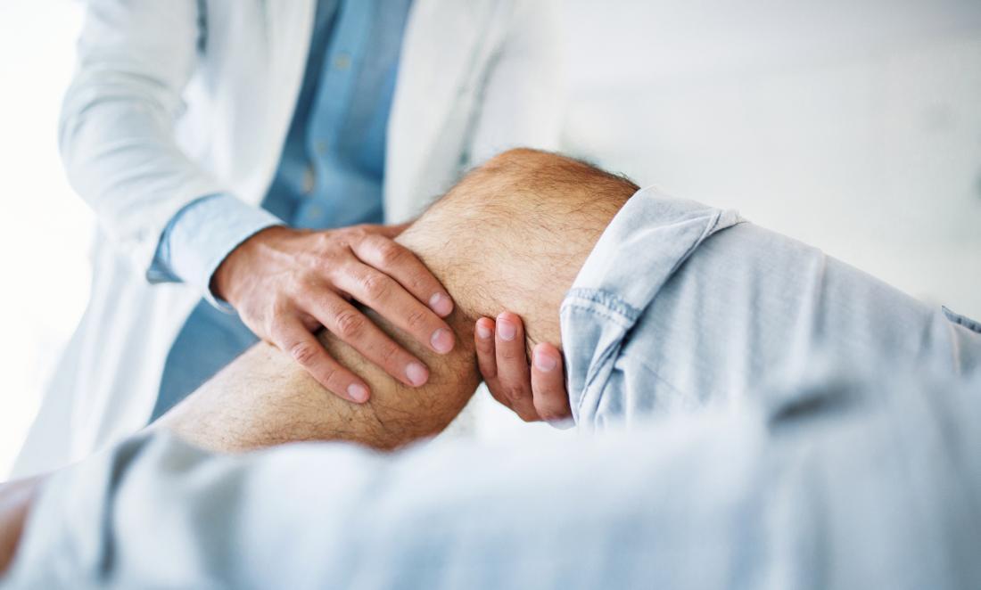knee pain below kneecap