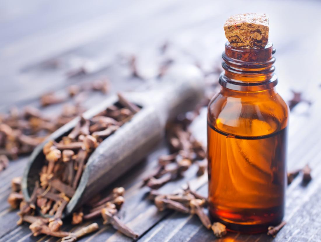 Clove oil for toothache: Use and side effects