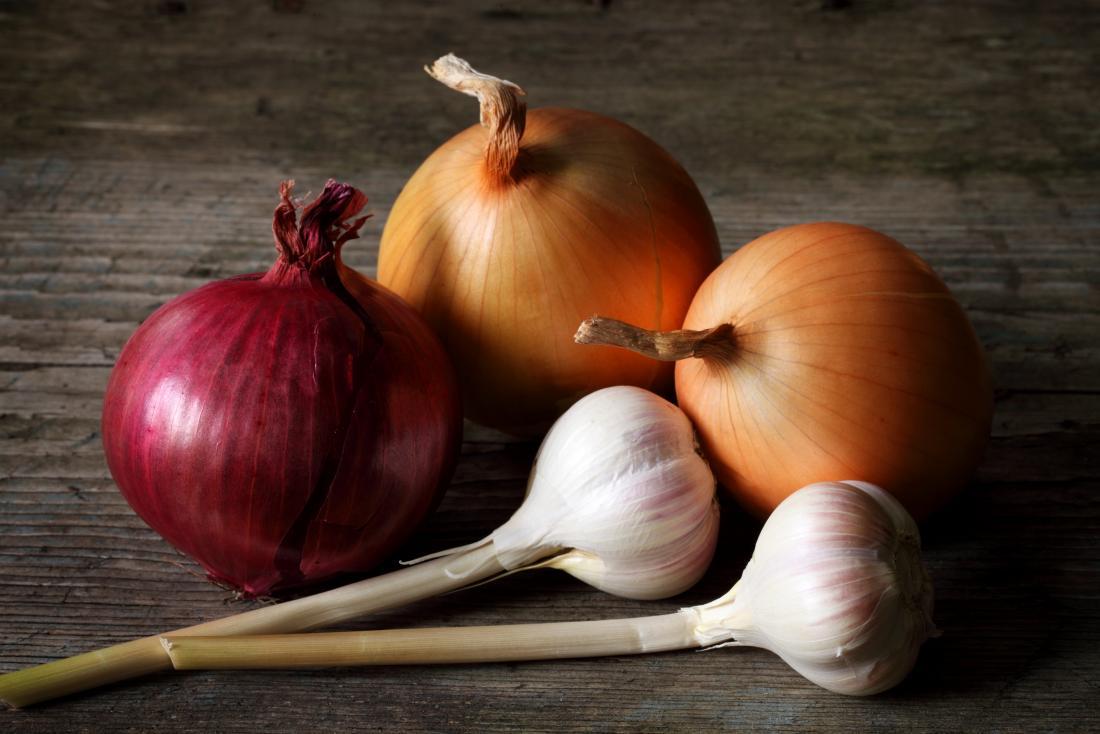 12 ways to get rid of garlic or onion breath