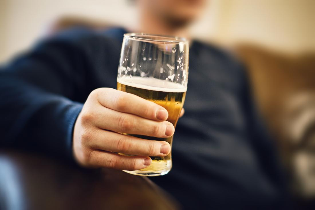 Mixing Lexapro and alcohol: Side effects and risks