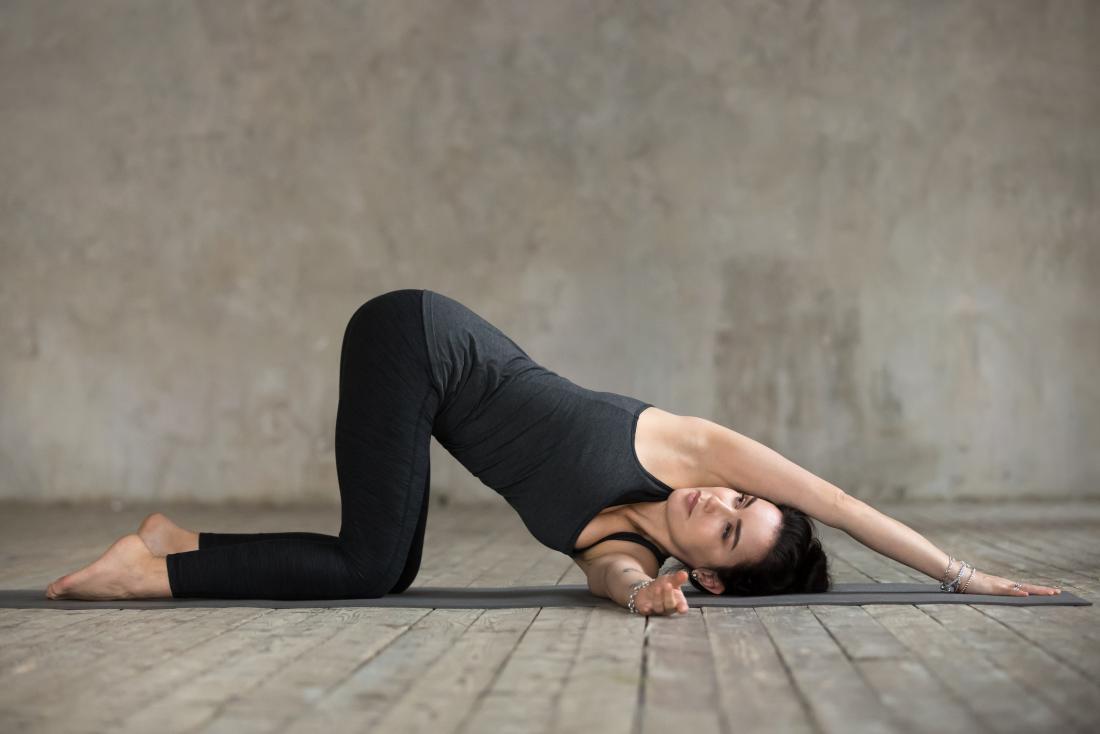 Best mid back stretches for relieving middle back pain
