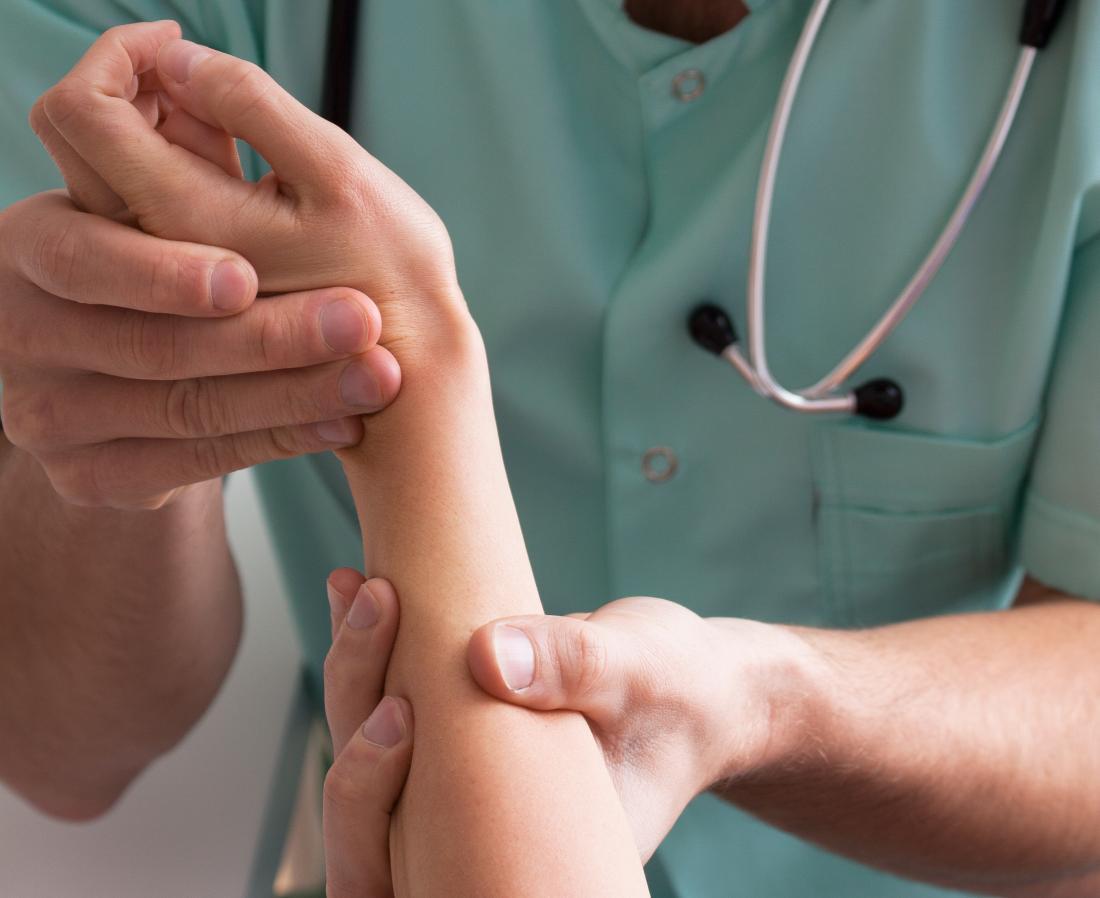 Psoriasis vs  tinea versicolor: Causes, symptoms, and treatments