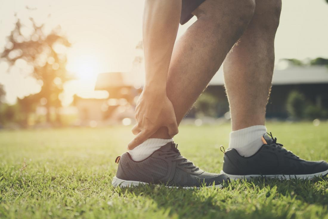 Swollen ankles: 11 causes and how to treat them