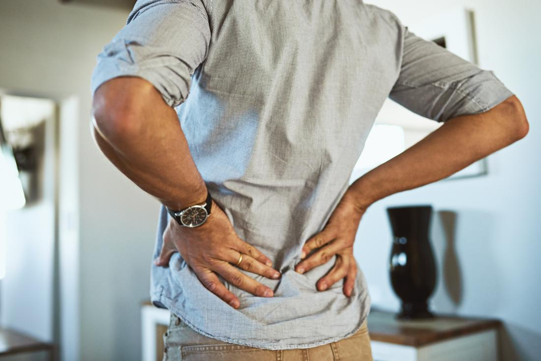 Back pain when breathing: 8 causes