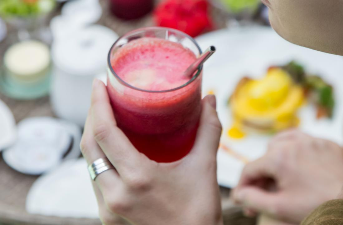 Beetroot juice: 6 health benefits, nutrition, and how to use it