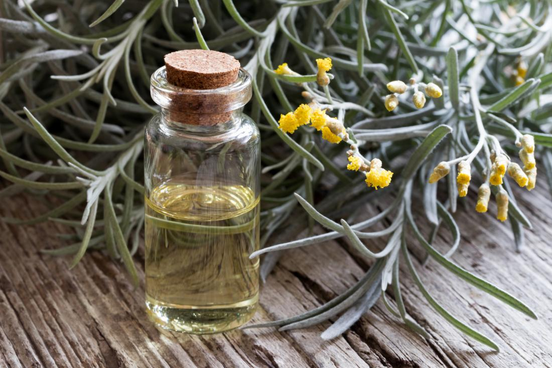Helichrysum essential oil: 5 benefits and how to use