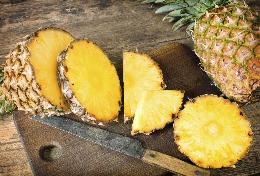 Is pineapple good for diabetes? Effects and other fruit