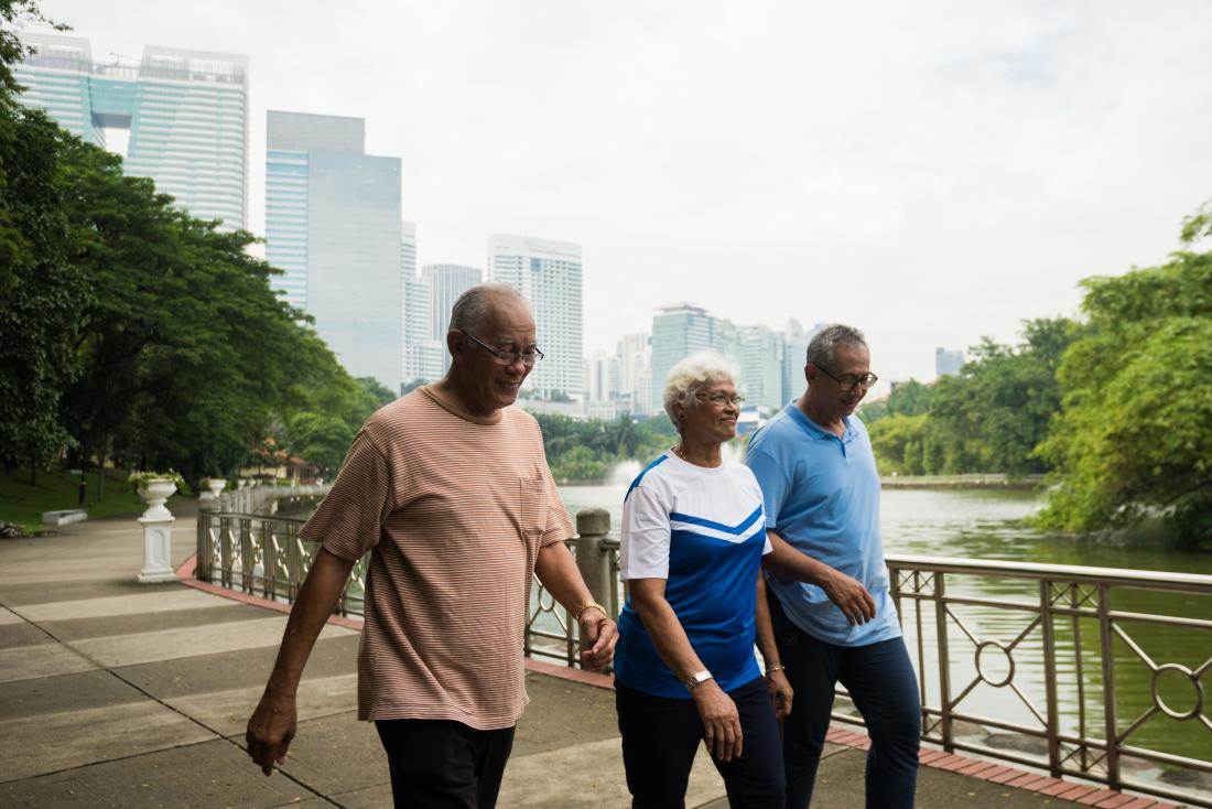 What to know about walking for weight loss