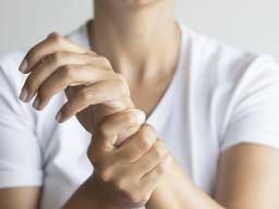 Cubital tunnel syndrome: Exercises, symptoms, and home treatment