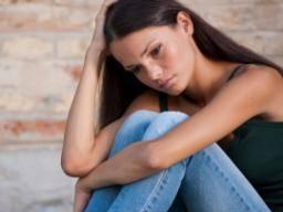 Childhood schizophrenia: Symptoms, diagnosis, and treatment