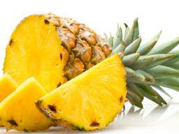 Pineapple juice: Benefits, nutrition, and diet