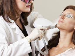 Dermatologists: What do they do, qualifications, and procedures