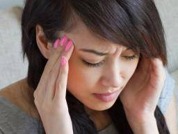 Frontal lobe headache: Causes, treatment, and when to see a doctor