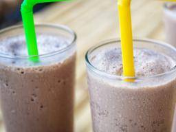 Smoothies for diabetes: Tips, low GI options, and benefits