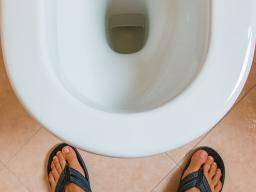 Overactive bladder in men: Causes and treatments