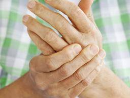 Finger infection: Types, symptoms, and treatment
