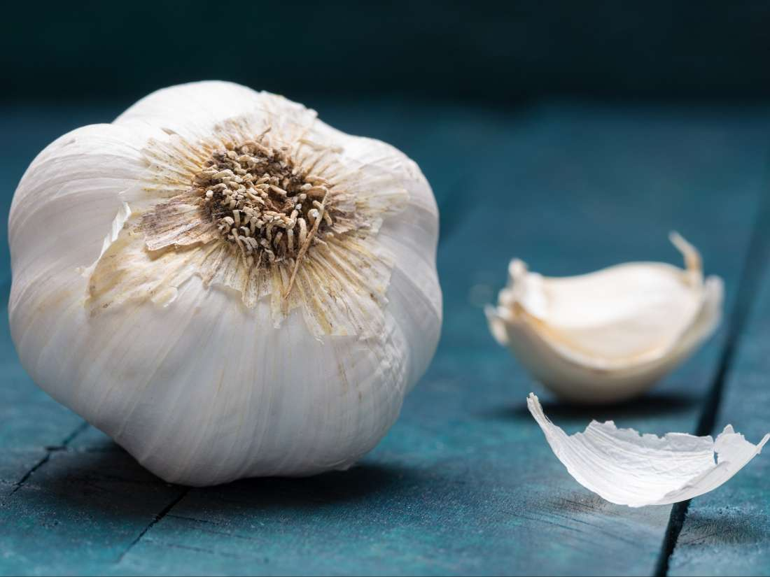Garlic and HIV: Are there any effects or benefits?