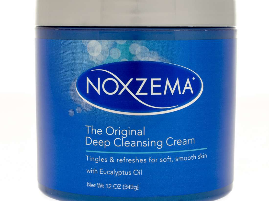 Noxzema for eczema: Uses, safety, and effectiveness
