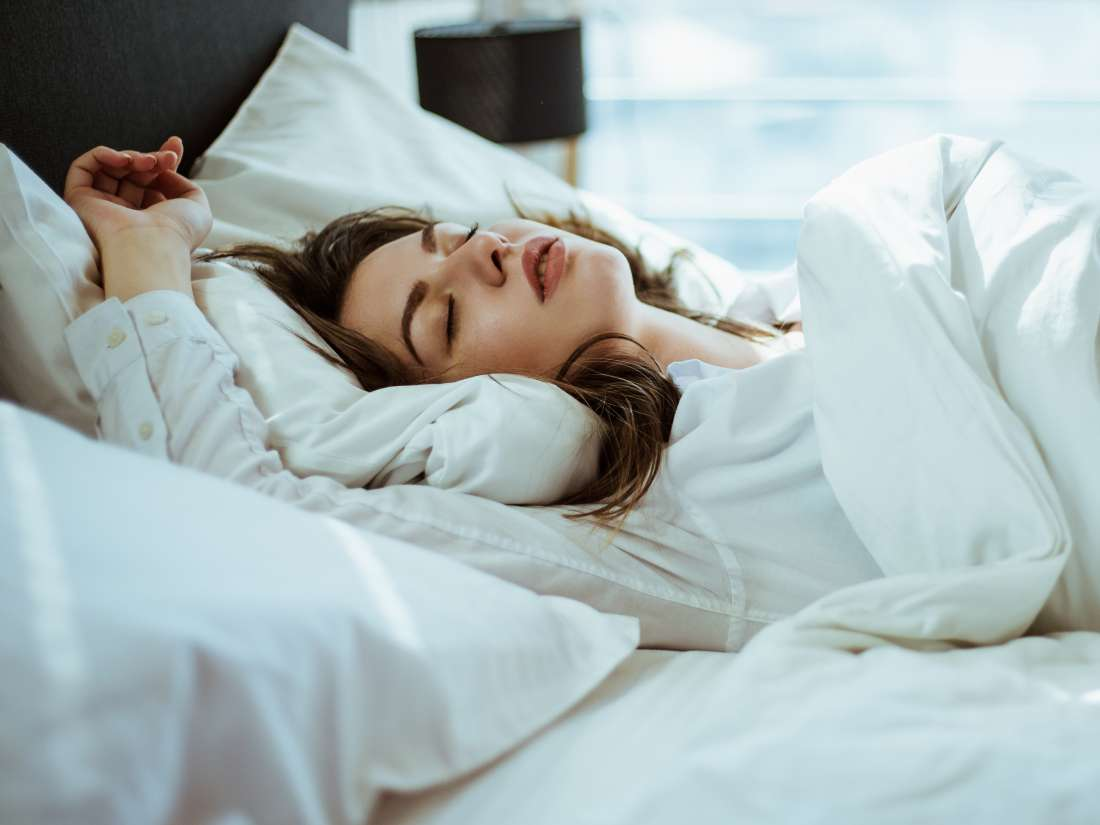 Heart attack risk higher in those who sleep too little or
